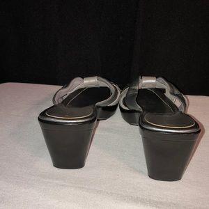 Liz Claiborne Shoes - 🔥5 for $25🔥 Liz Claiborne Wedges/Slides
